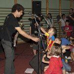 Rock para niños bajo y voz
